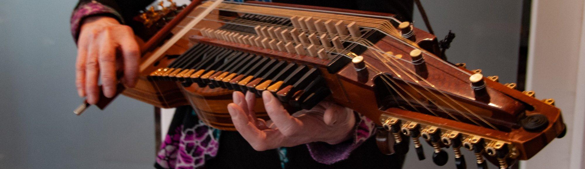 Muziek met Tonny Holsbergen